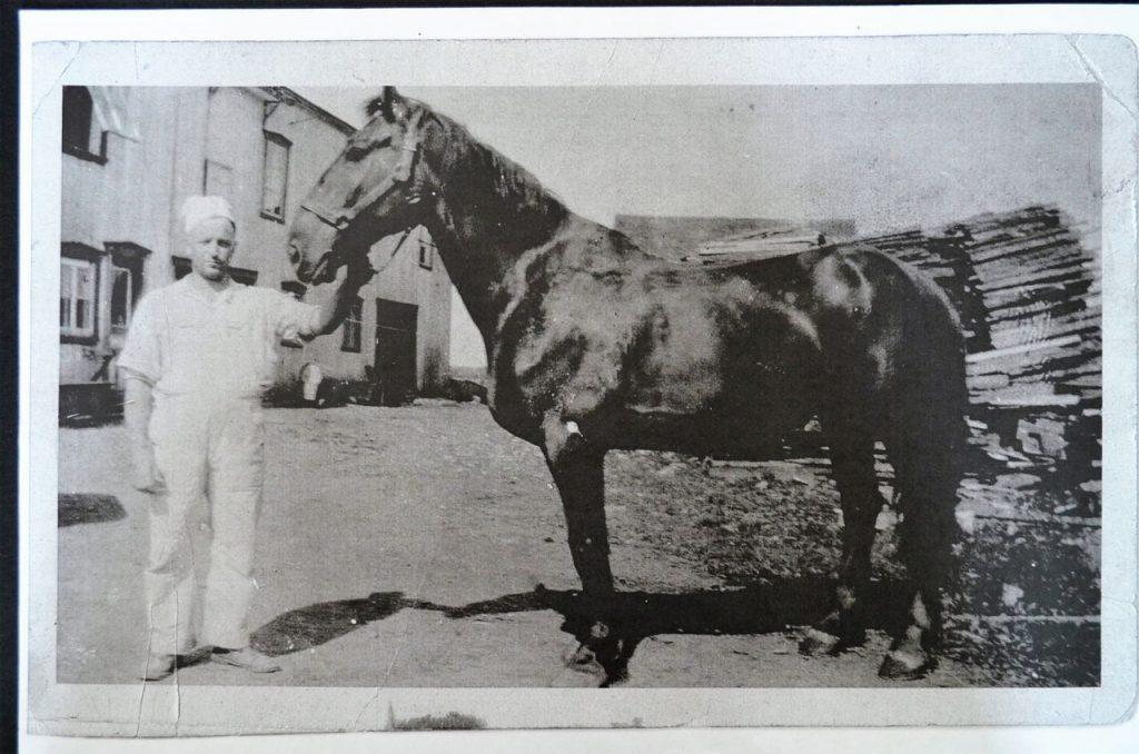 Les livraisons s'effectuent à cheval