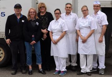 L'équipe des 7 membres du personnel de la Boulangerie DeMailly.